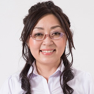 井手 綾子