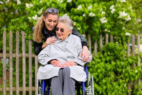 よくある家族の介護・介護疲れ・看病のお悩み事例